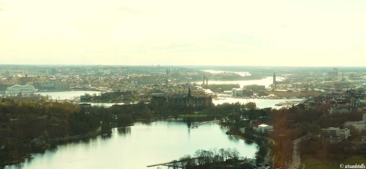 stockholm dpeuis la tour de tele.JPG