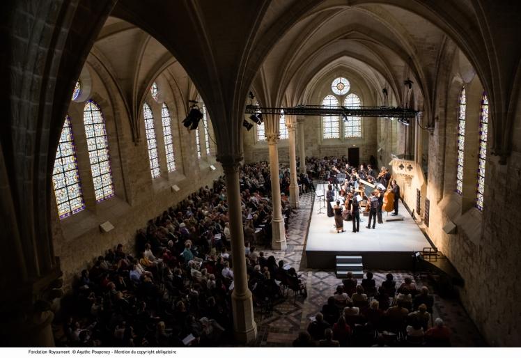 refectoire-des-moines-05-royaumont-abbaye-fondation.jpg