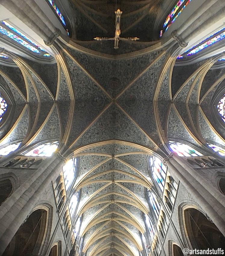liège la cathédrale plafond.jpg