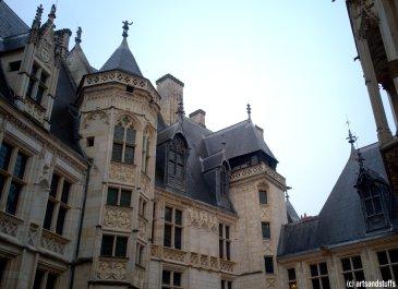 Palais Jacques vue sur la façade cour (c) Arts & Stuffs