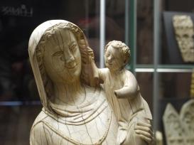 Vierge à l'enfant, milieu du XIIIème siècle (c) Arts & Stuffs